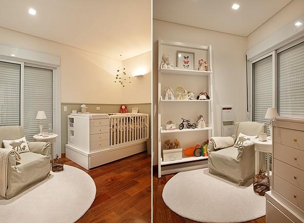 No quarto do bebê alguns brinquedos enfeitam a estante e detalhes em verde bem suave completam o cantinho (Foto: MCA Estúdio)