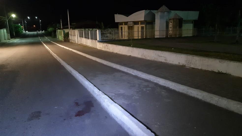 Vítima foi morta neste trecho da Avenida Mônica Dantas — Foto: Sérgio Henrique Santos/Inter TV Cabugi