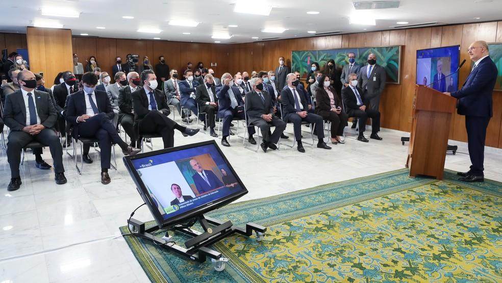 Milton Ribeiro discursa perante os demais ministros do governo ao ser empossado ministro da Educação — Foto: Isac Nóbrega/Presidência da República