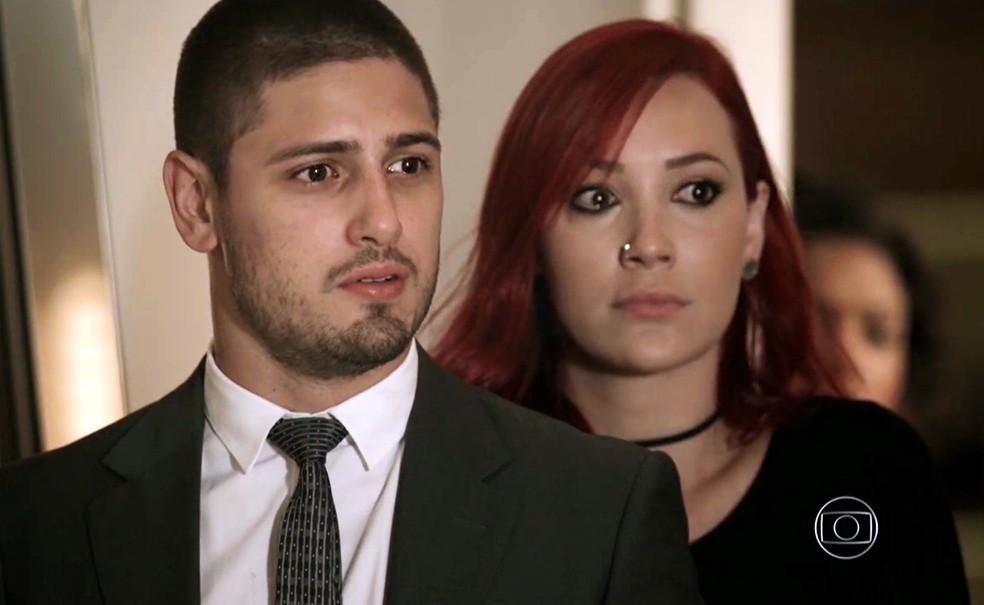 João Lucas (Daniel Rocha) e Du (Josie Pessôa) encontram José Alfredo (Alexandre Nero) vivo - 'Império' — Foto: Globo