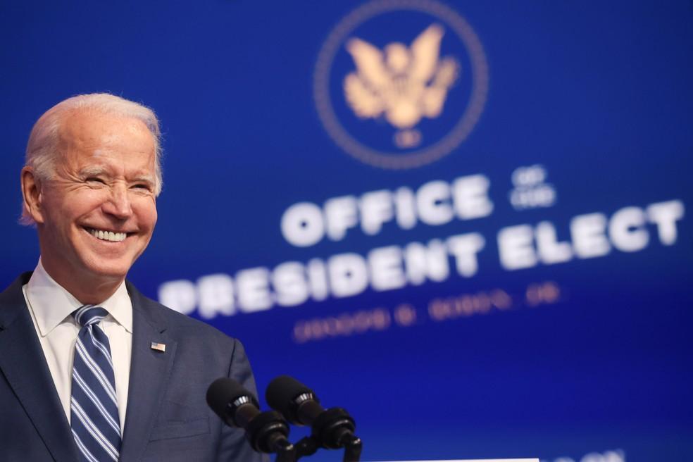 Presidente eleito dos EUA, Joe Biden, discursa nesta terça-feira (10) em Wilmington — Foto: Jonathan Ernst/Reuters