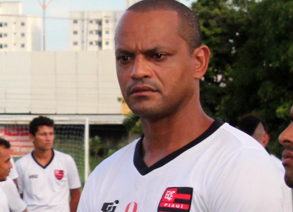 Ex-atacante Tuta teve passagem pelo futebol piauiense no fim da carreira — Foto: Marco Freitas