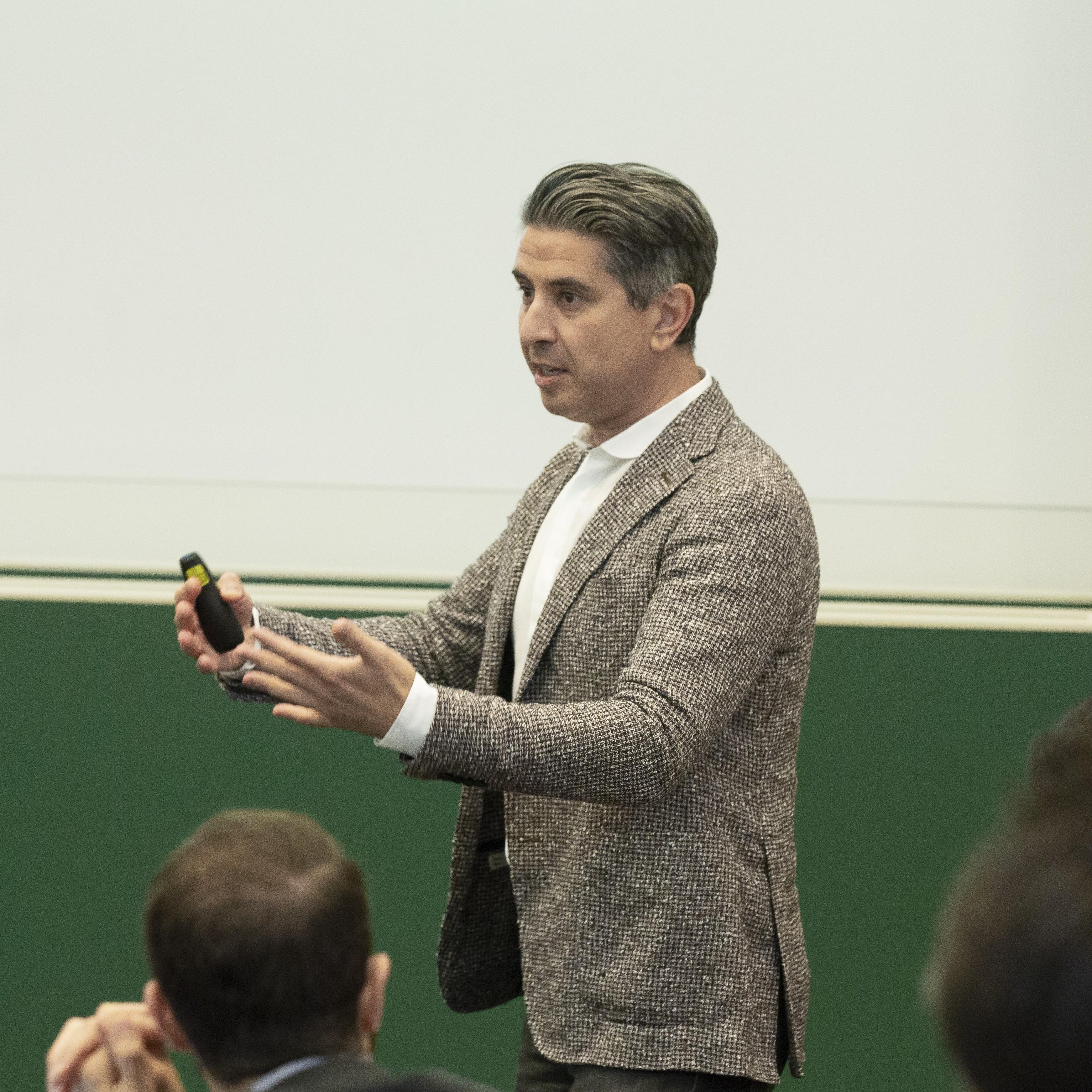 Uma das principais escolas de negócio da Europa discute as novas tendências do mercado mundial de luxo (Foto: Divulgação)