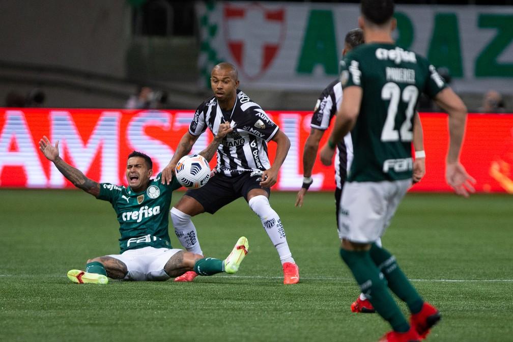 """""""Cada um precisa entender o que fazer"""", Dudu reage após declaração de Abel no Palmeiras"""
