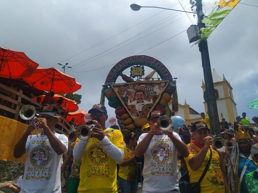 Clarins anunciaram a saída do Bacalhau do Batata do Alto da Sé, em Olinda — Foto: Caíque Batista/G1