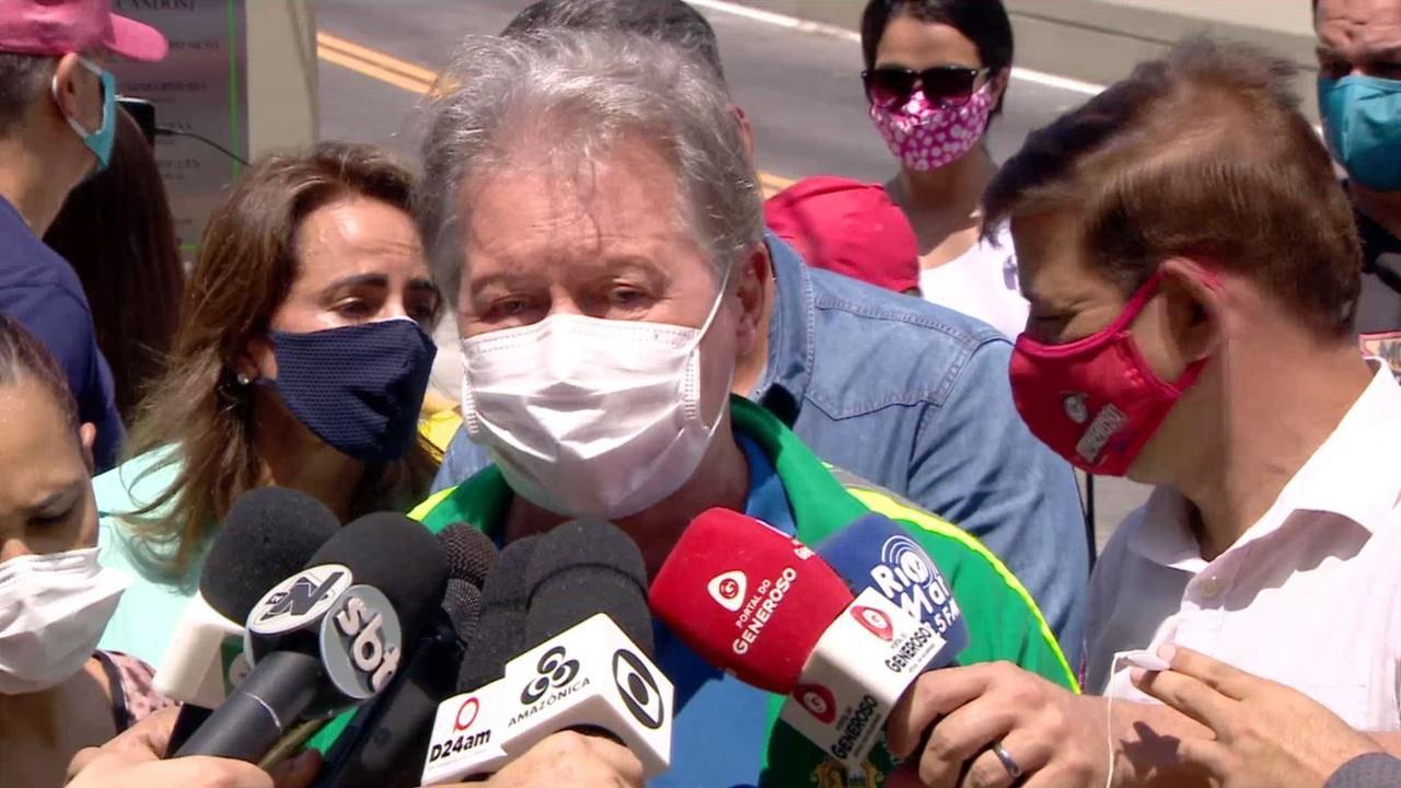 Prefeito de Manaus contesta dados de Covid e cita 50 mortos nas últimas 24 horas