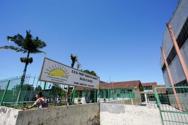 Escola de Biguaçu será a primeira em Santa Catarina com modelo cívico-militar proposto pelo MEC - Notícias - Plantão Diário