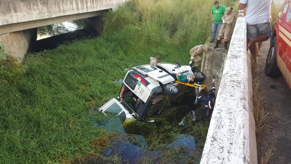 Acidente na BR-232 em Bezerros (Foto: Reinaldo Luiz/Divulgação)