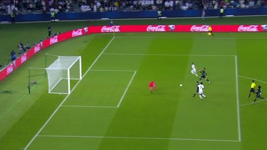 """Zidane diz não ter explicações para várias chances perdidas pelo Real: """"É raro"""""""