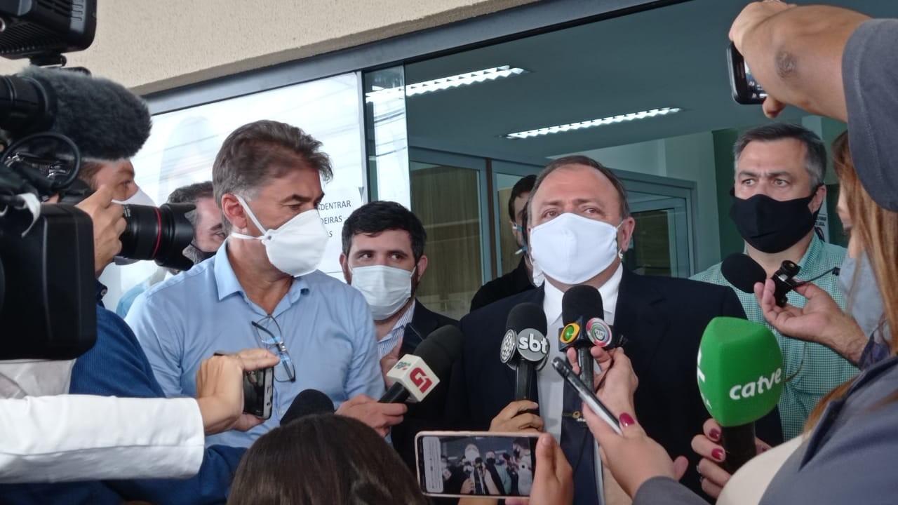 Pazuello visita UPA de Cascavel, cidade que vive colapso no sistema de saúde