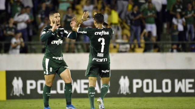 Zé Rafael e Dudu comemoram gol do Palmeiras