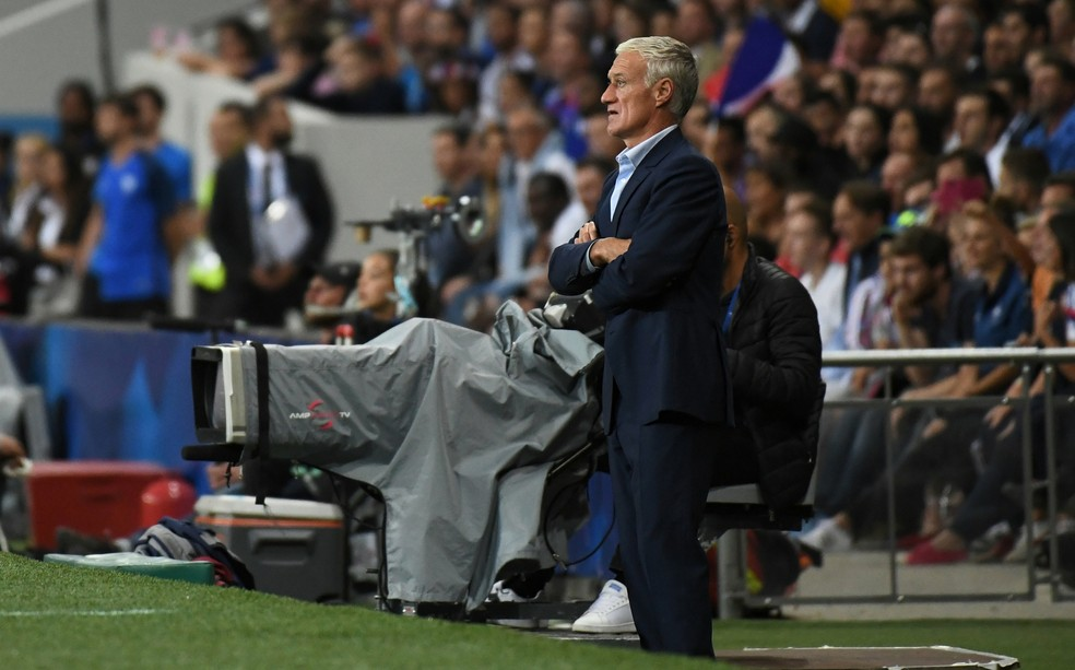 Didier Deschamps renovou contrato para ficar na seleção francesa até o fim da Euro 2020 (Foto: Reuters)