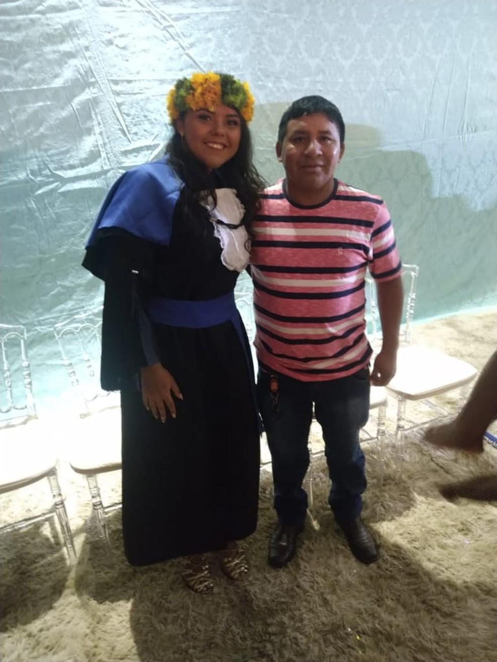 Pai da Katyane, Paulo Cinta Larga, diz que filha é inspiração para outras mulheres da família  — Foto: Katyane Dias Cinta Larga/arquivo pessoal