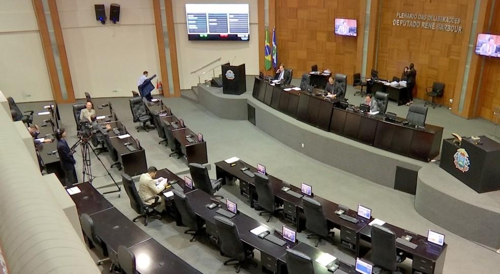 Projeto foi aprovado em 1ª votação com 14 votos favoráveis  — Foto: TVCA/Reprodução