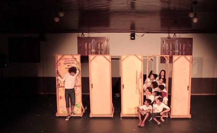 Cia de teatro do Mato Grosso se apresenta em Boa Vista com espetáculo 'Alice'