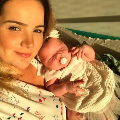 Tatyane Goulart com a filha, Catarina (Foto: Arquivo pessoal)