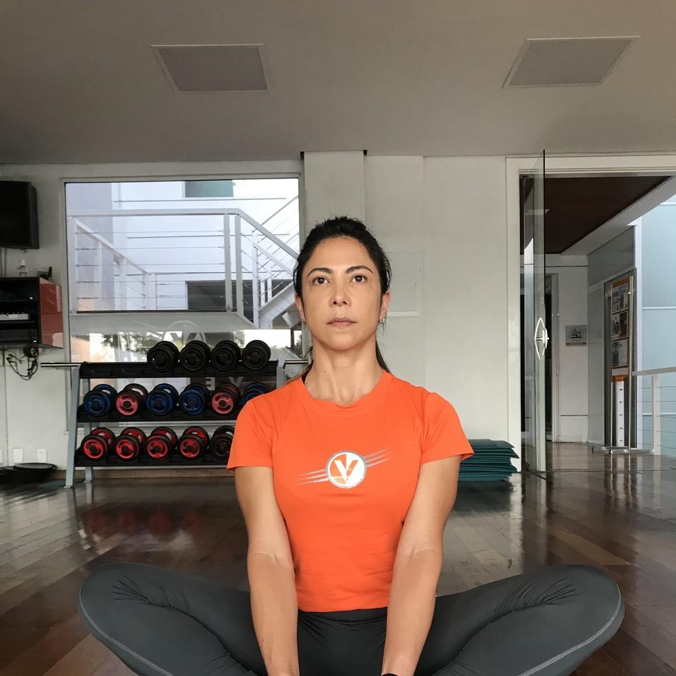Postura da Borboleta (Baddha Konasana)  — Foto: Divulgação/Velox Fitness