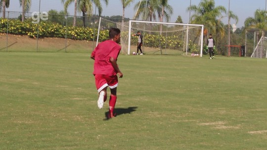 No mesmo time, filhos de Marcelinho Paraíba e Falcão dividem sonho no futebol