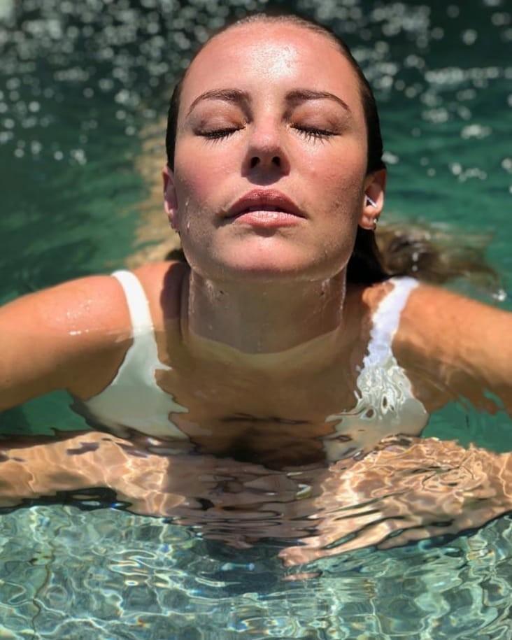 Paolla na água (Foto: Reprodução / Instagram)