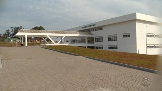 Hospital recém-construído segue fechado por impasse em Santa Maria