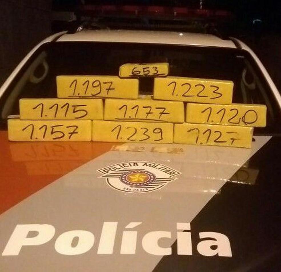 Homem é preso com 10 quilos de maconha em Ubatuba (Foto: Divulgação/Polícia Militar)