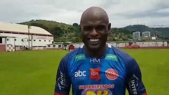 Ademilson, de 44 anos, manda recado para torcedor corneteiro do Villa Nova