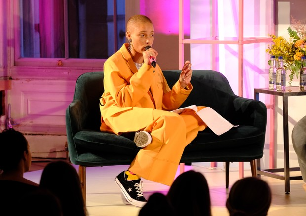 Adwoa Aboah durante evento do Gurls Talk em 2019 (Foto: Getty Images)