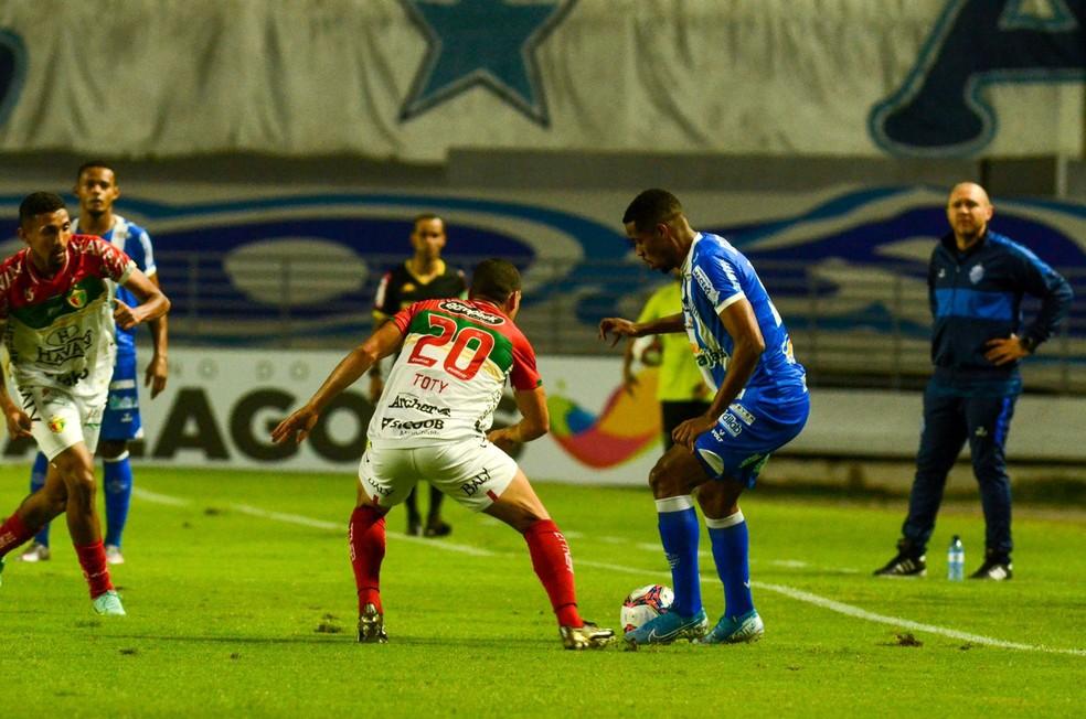 CSA não tomou conhecimento do Brusque e goleou por 4 a 1 — Foto: Augusto Oliveira/CSA