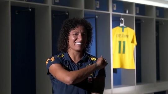 Cristiane Rozeira narra desafios para atuar no futebol feminino do Brasil