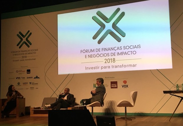 Sandra Boccia, Fabio Barbosa e José Junior, durante o Fórum de Finanças Sociais e Negócios de Impacto (Foto: Época Negócios)