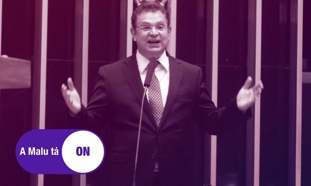 Acordo entre parlamentares prevê que Sóstenes Cavalcante assumirá a presidência da frente evangélica em dezembro