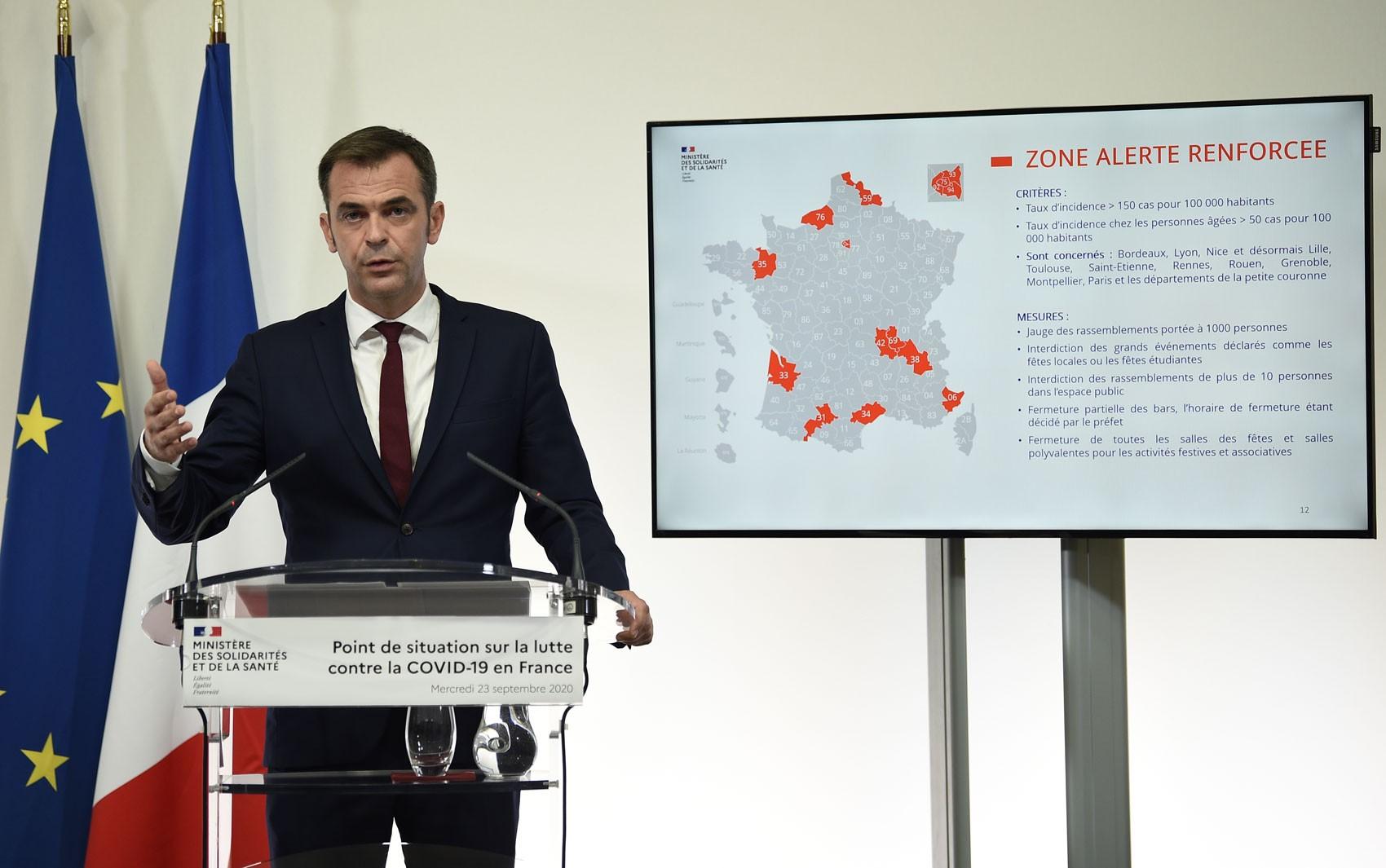 Covid-19 : França anuncia novas medidas restritivas e impõe fechamento de bares às 22h em Paris