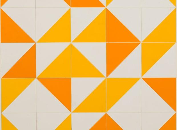 Figuras geométricas coloridas são sua marca entre os painéis. Há centenas de projetos com seus azulejos devidamente registrados. Ainda hoje, a Fundação Athos Bulcão, que tem sede em Brasília, mantém a venda de reedições devidamente autorizadas do trabalho (Foto: Divulgação)