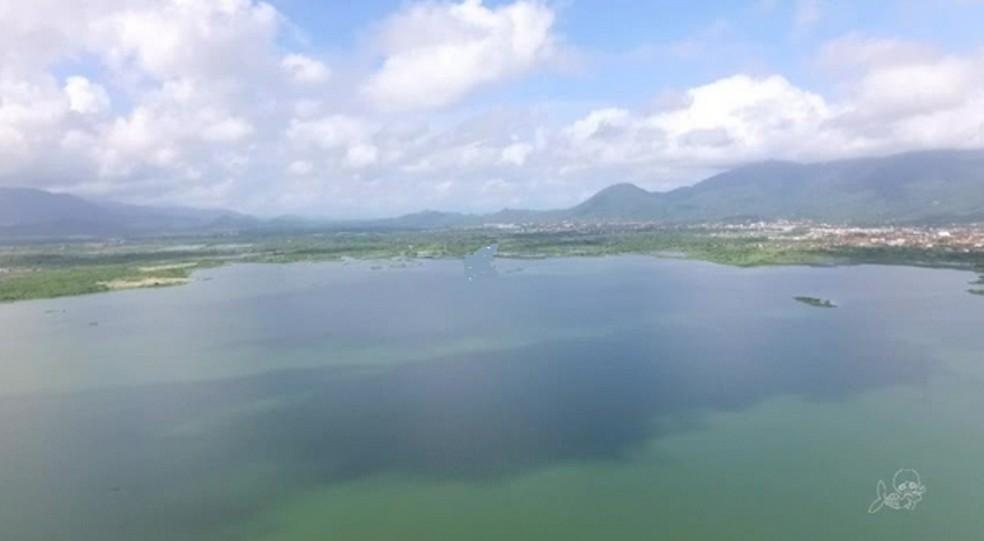 Açude Orós, segundo maior açude do estado, tem 5,39% do volume máximo. — Foto: Reprodução/TV Verdes Mares