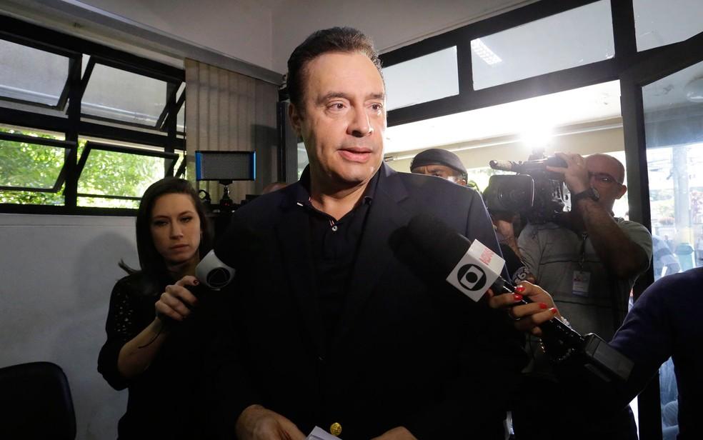 Laerte Codonho ao ser preso nesta quinta-feira (10) (Foto: Nelson Antoine/Estadão Conteúdo)