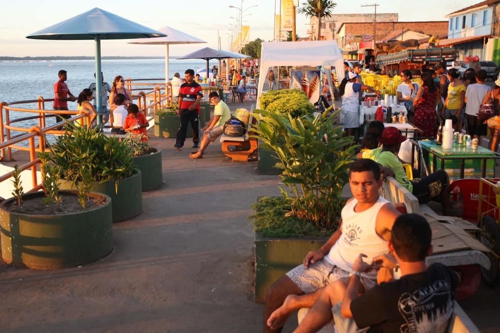 Orla de Marabá reúne moradores e turistas no verão. — Foto: Eunice Pinto/ Agência Pará