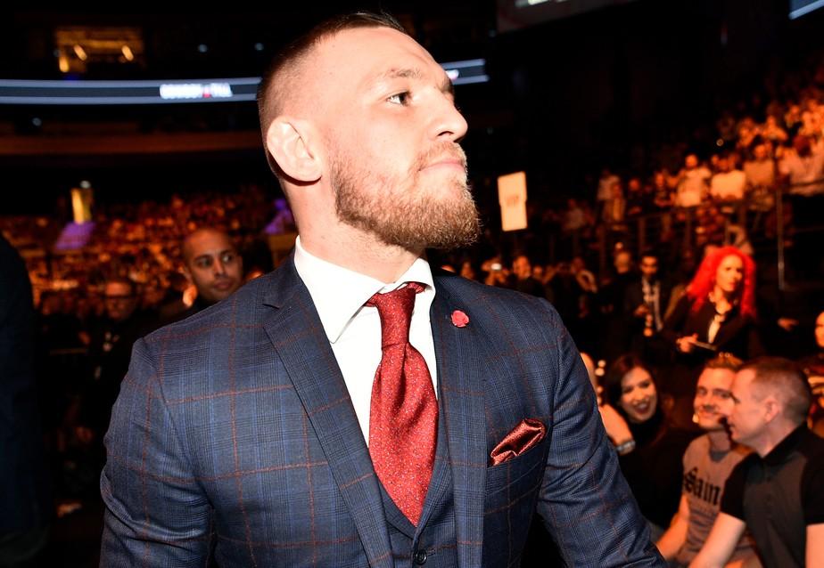 Em coletiva na Rússia, Conor McGregor anuncia que lutará no dia 18 de janeiro, em Las Vegas