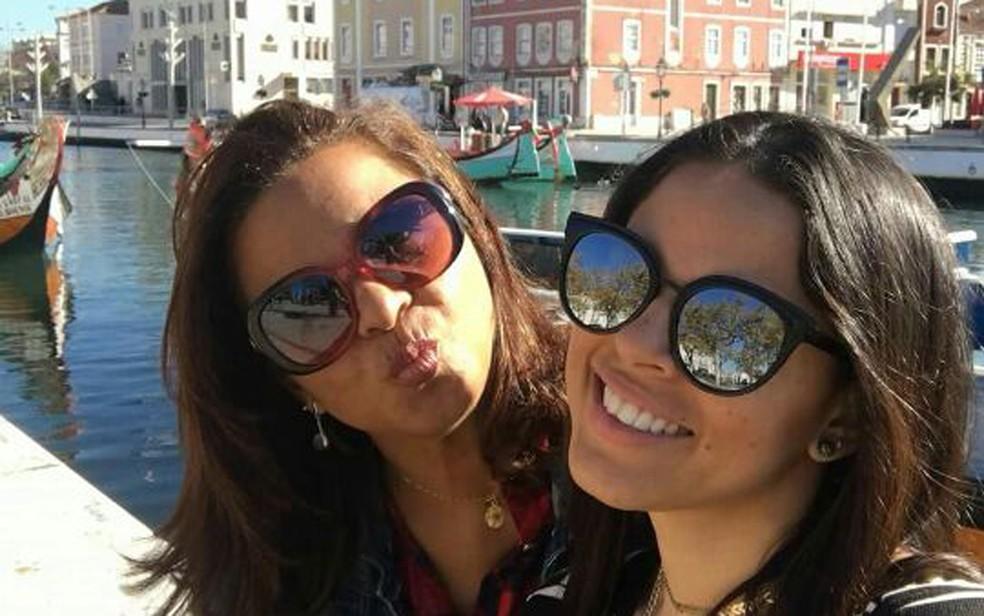 Aldinete passa o segundo Dia das Mães longe da filha, que mora em Portugal (Foto: Reprodução/Facebook)