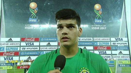 Eleito melhor goleiro, Brazão sai do Mundial Sub-17 feliz com terceiro lugar