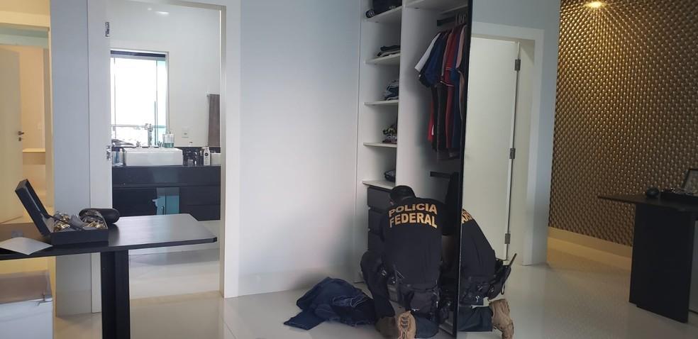 Operação tem como alvo empresários, policiais e pistoleiros envolvidos no esbulho de terras em Cujubim (RO). — Foto: Divulgação/PF
