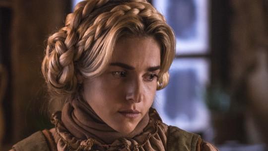 Monique Alfradique apresenta personagem em 'Deus Salve o Rei': 'Menina insegura, que não sabe a força que tem'