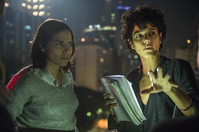 Leticia Colin com a diretora de 'Onde está meu coração', Luisa Lima (Foto: Fabio Rocha/TV Globo)