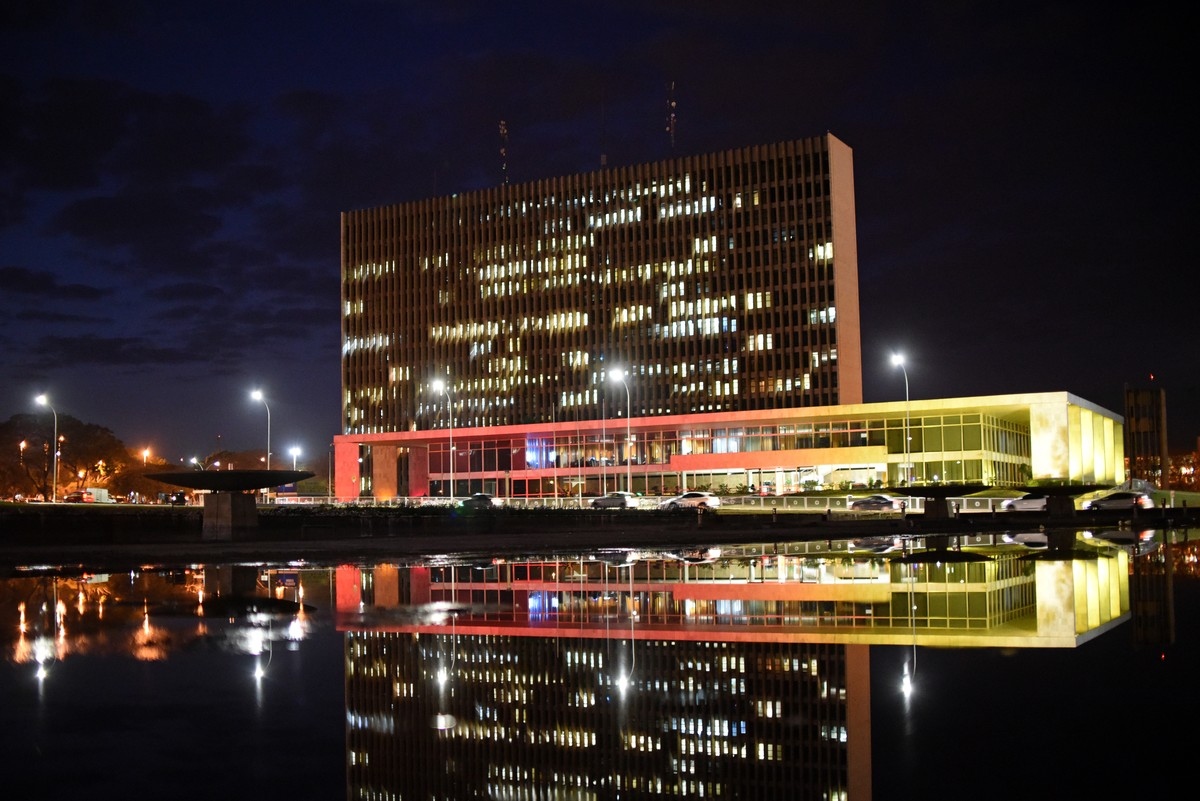 Rollemberg anuncia nomeação de 41 servidores para Secretaria de Cultura