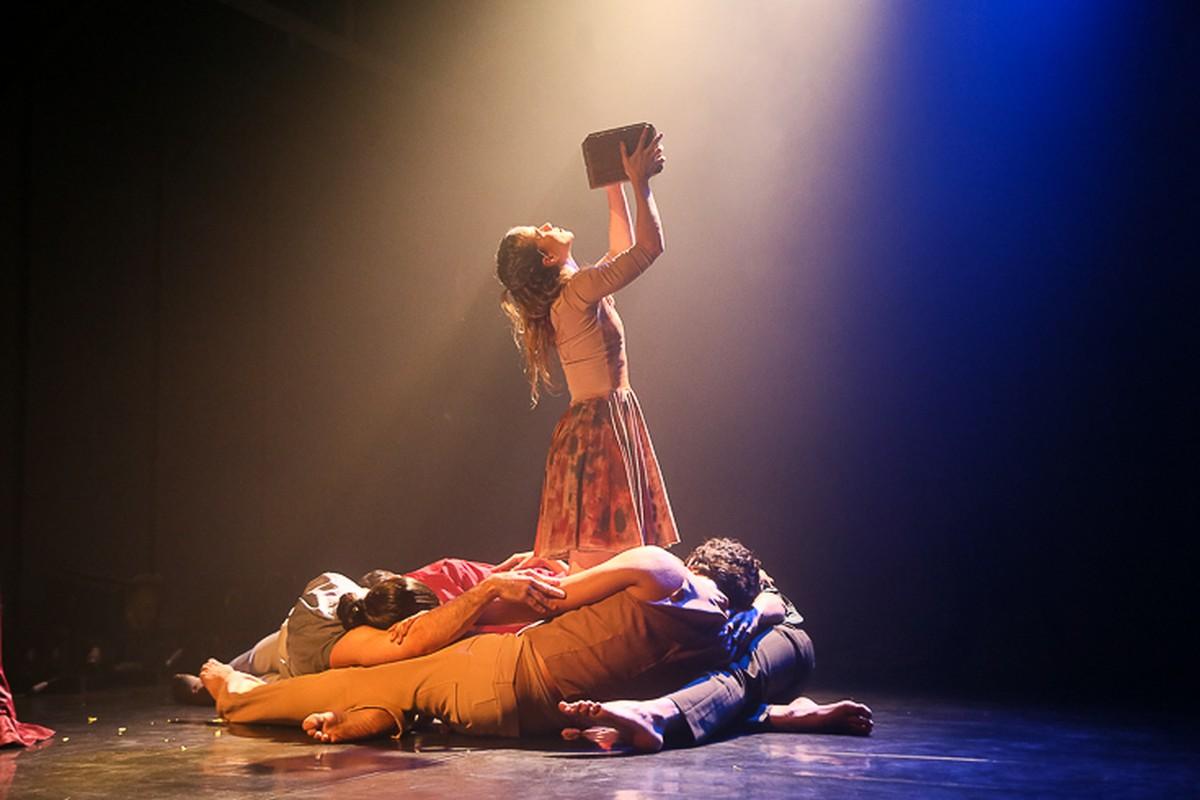 Teatro de Bolso em Campos, RJ, terá novas apresentações do espetáculo 'Quatre'