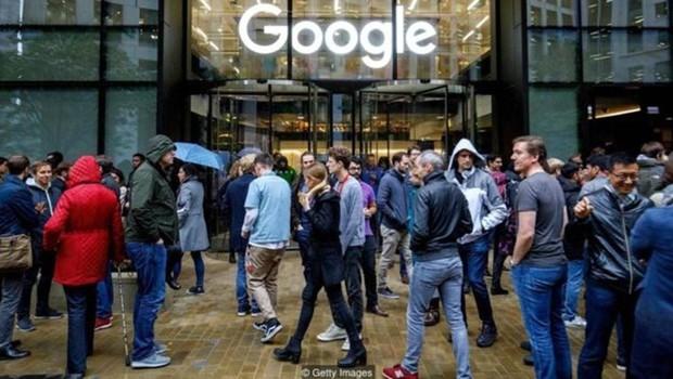 Funcionários do Google em todo o mundo protestaram no ano passado contra assédio sexual na empresa (Foto: Getty Images)