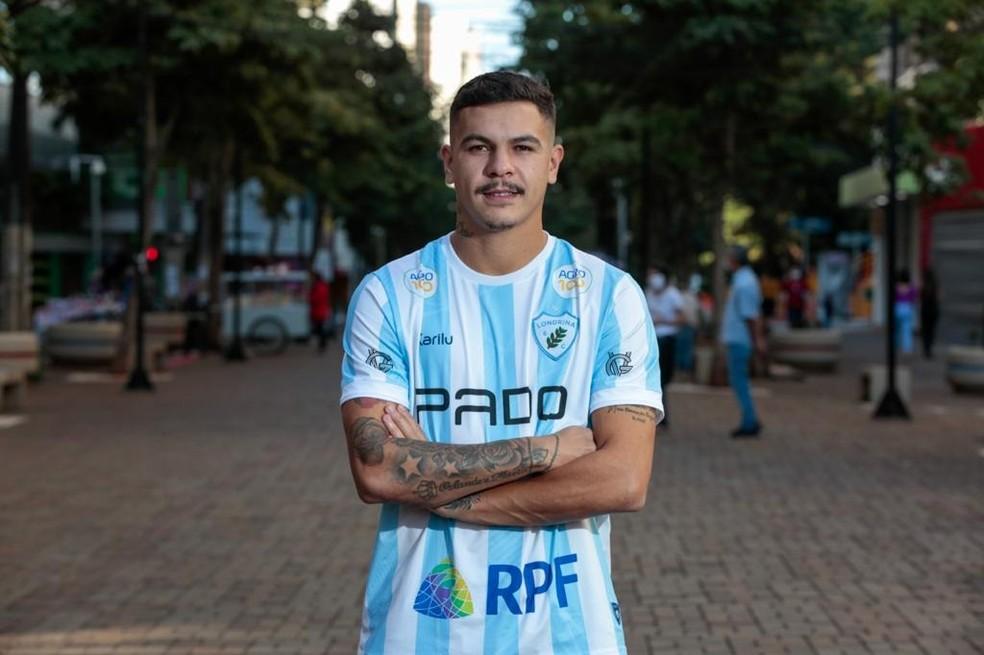 Mossoró tem 24 anos, atuou na base do Grêmio e começou no Juventude — Foto:  Ricardo Chicarelli/Londrina EC