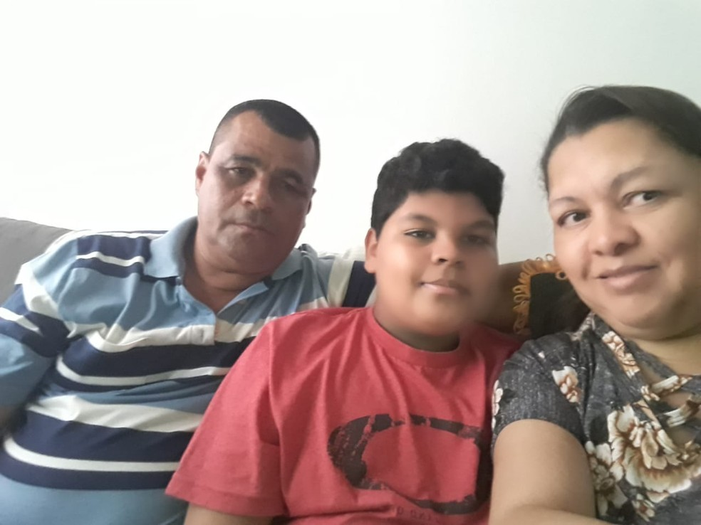 Família do garoto Matheus passa por dificuldades financeiras  — Foto: Arquivo pessoal/ Manoel Gomes Freire