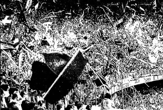 Festa da torcida na arquibancada, em foto publicada na edição do GLOBO de 2 de junho de 1980
