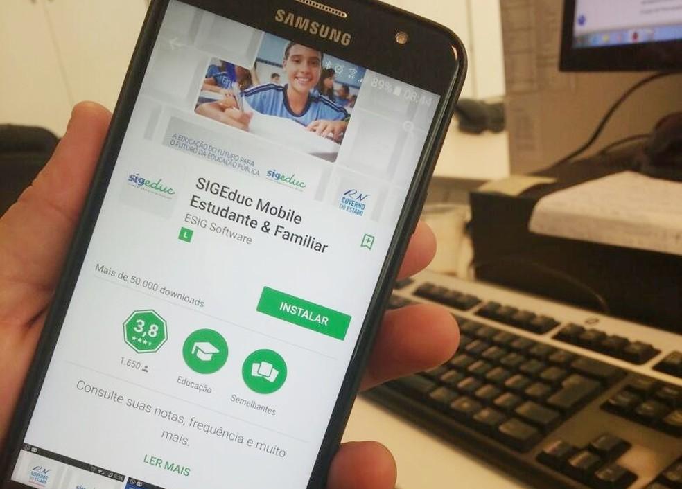 Aplicativo SIGEduc Familiar está disponível gratuitamente na loja virtual Google Play (Foto: Rafael Barbosa/G1)