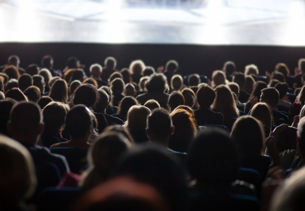 Público assiste a palestra (Foto: Jovo Marjanovic / EyeEm via Getty Images)